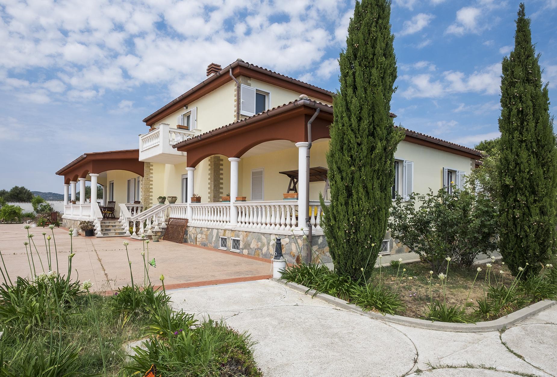 Villa di lusso in vendita a santa marinella ponte via for Case in vendita santa marinella