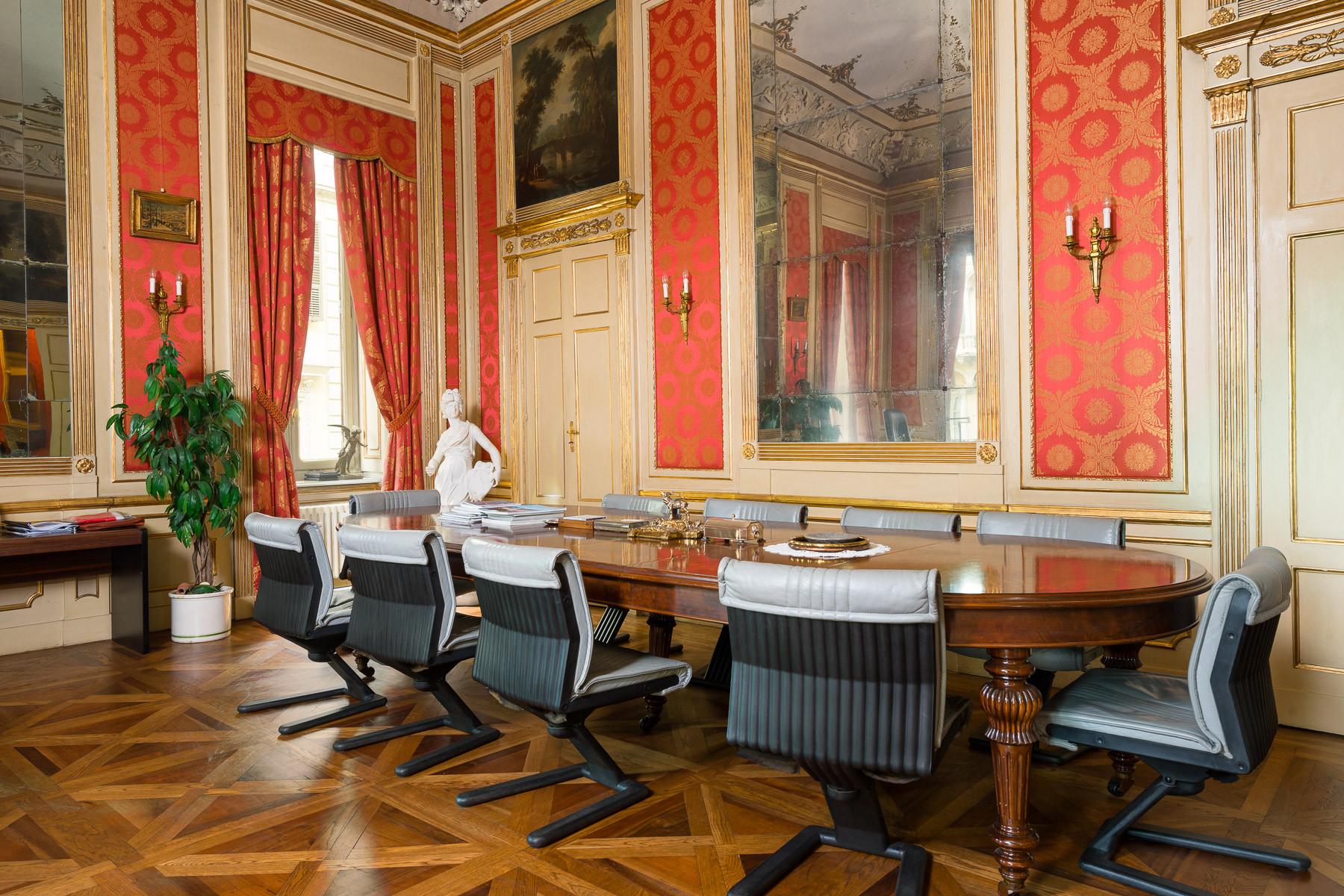 Appartamento in Vendita a Torino: 5 locali, 850 mq - Foto 3
