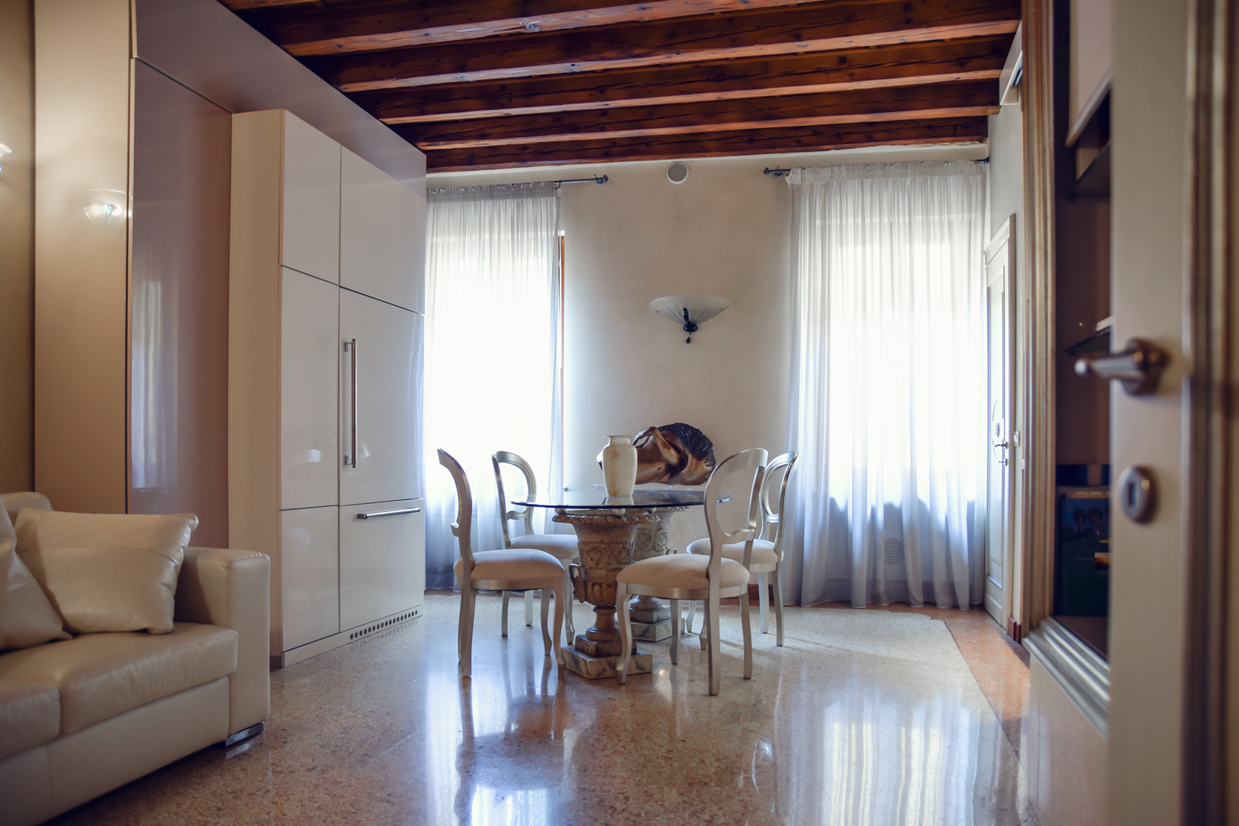 Appartamento in Vendita a Verona Centro:  3 locali, 75 mq  - Foto 1