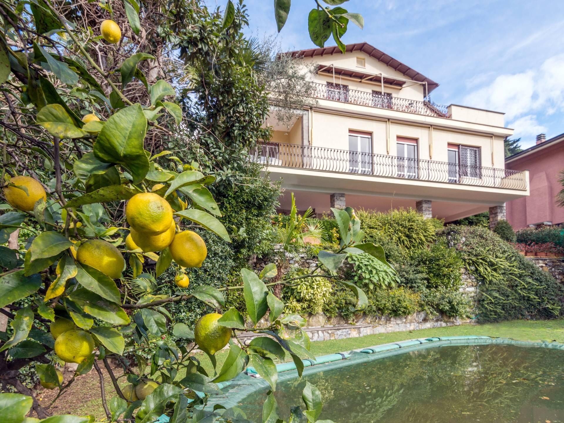 Villa in Vendita a Rapallo: 5 locali, 290 mq