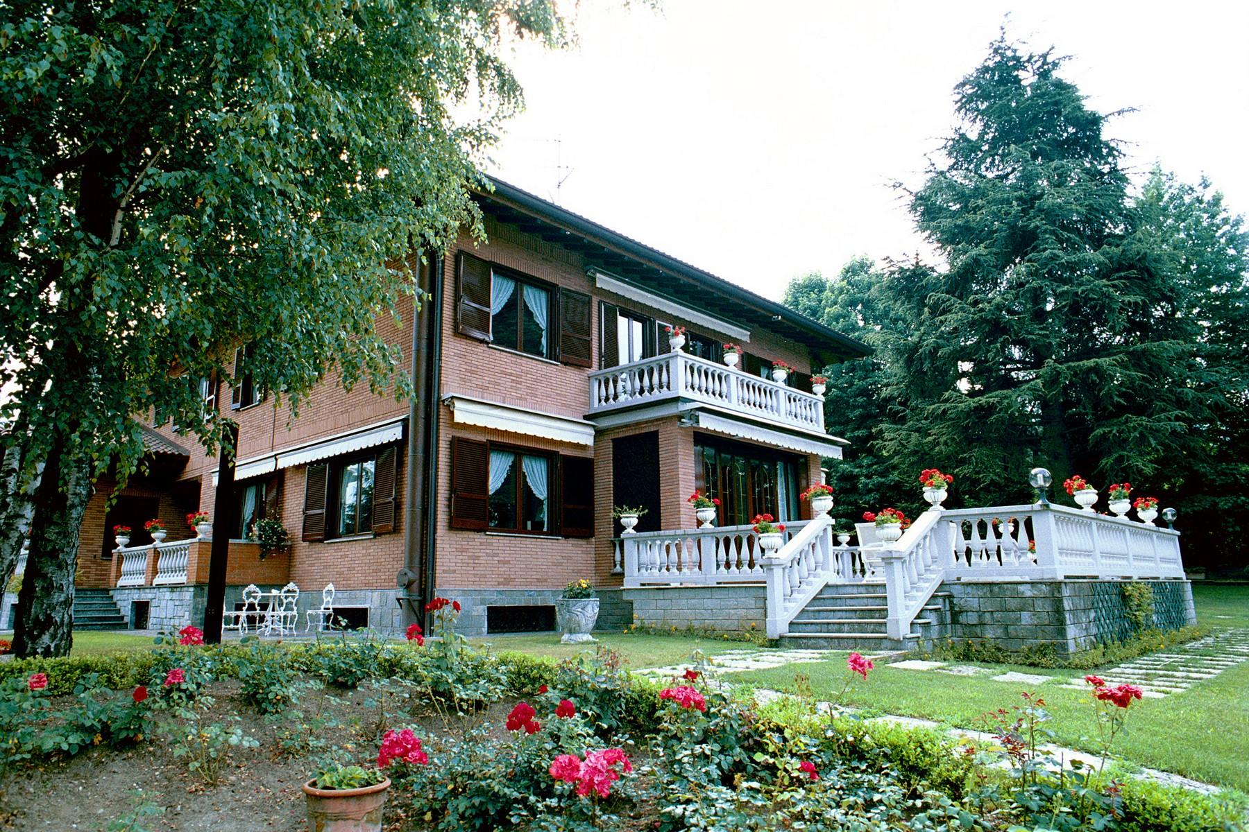Villa in Vendita a Castello Di Brianza: 5 locali, 650 mq - Foto 4