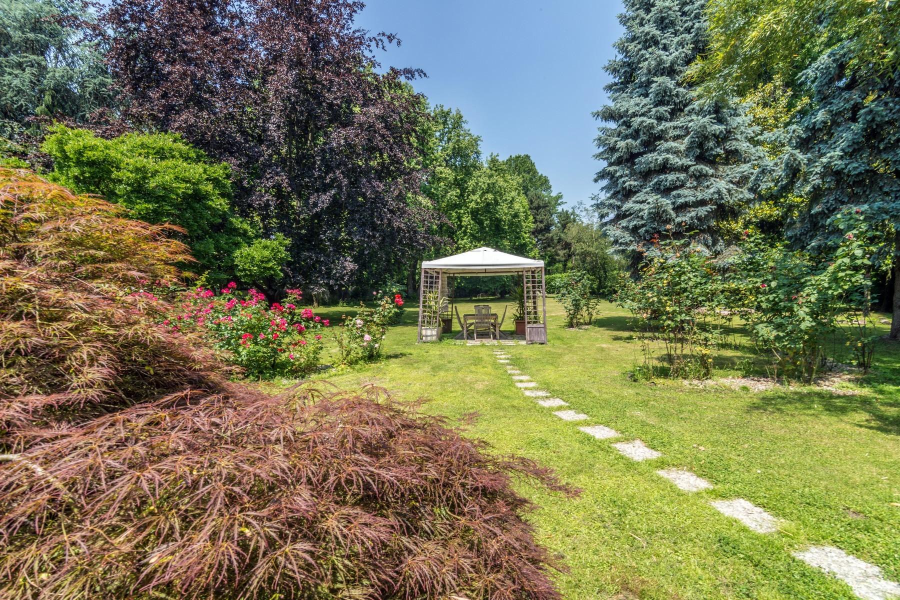 Villa in Vendita a Milano: 5 locali, 390 mq - Foto 2