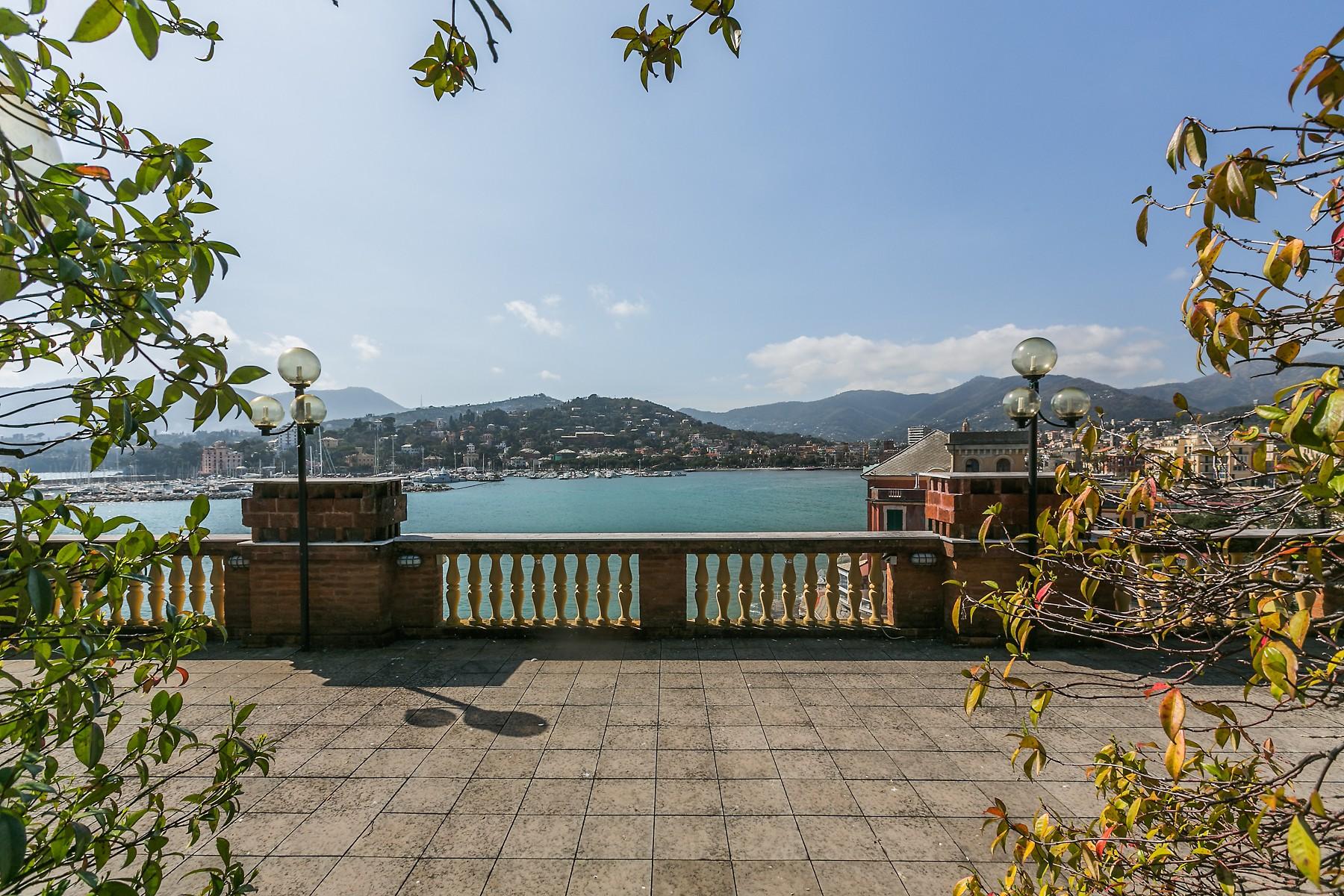 Villa in Vendita a Rapallo via avenaggi