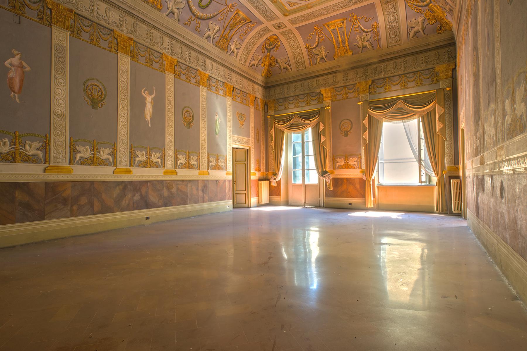 Palazzo in Vendita a Lucca Centro: 5 locali, 2137 mq
