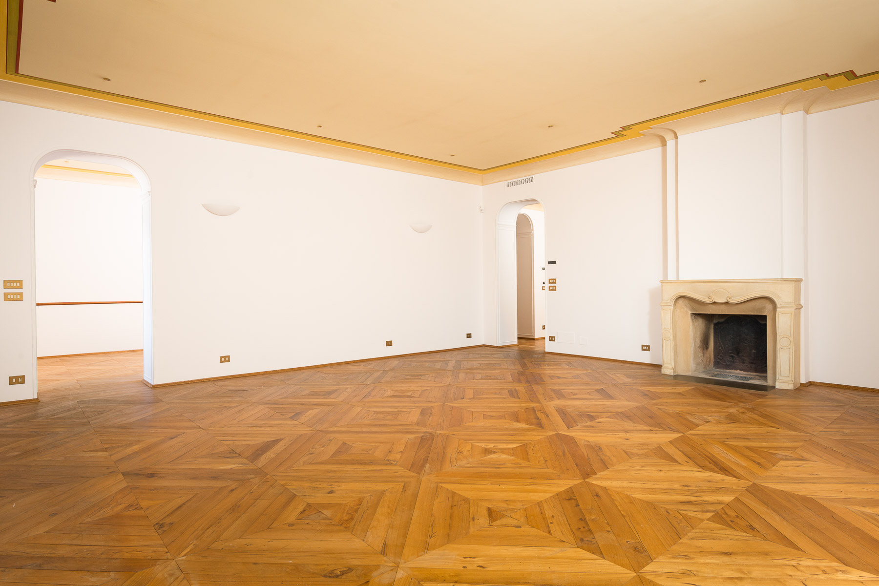 Appartamento in Vendita a Torino: 5 locali, 217 mq - Foto 2