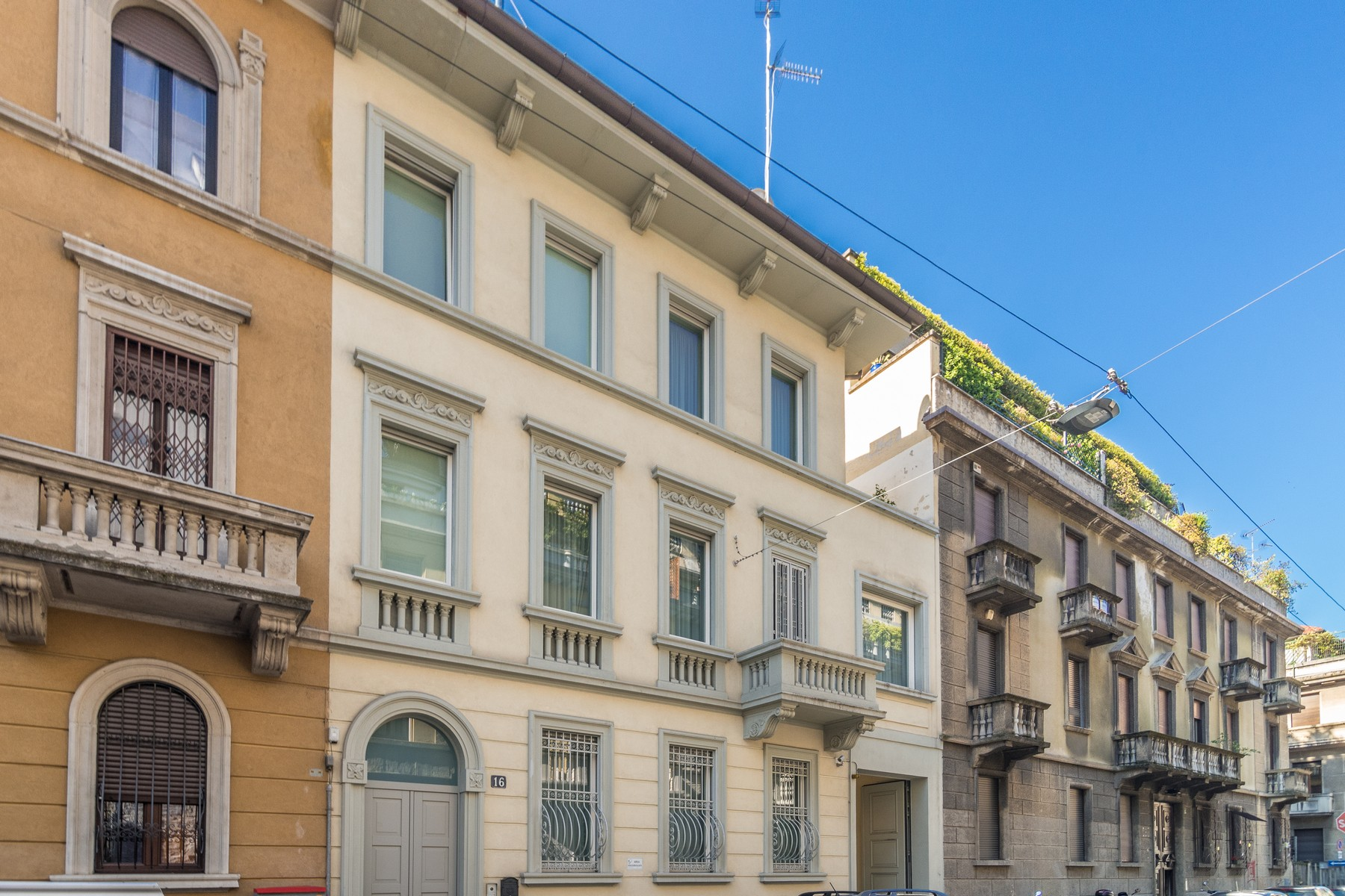 Villa in Vendita a Milano 12 Argonne / Indipendenza / Ascoli: 5 locali, 350 mq
