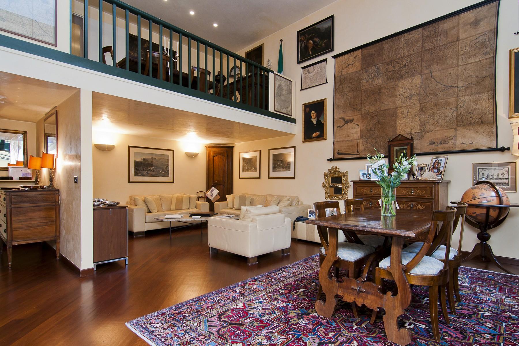 Appartamento in Vendita a Milano via morone