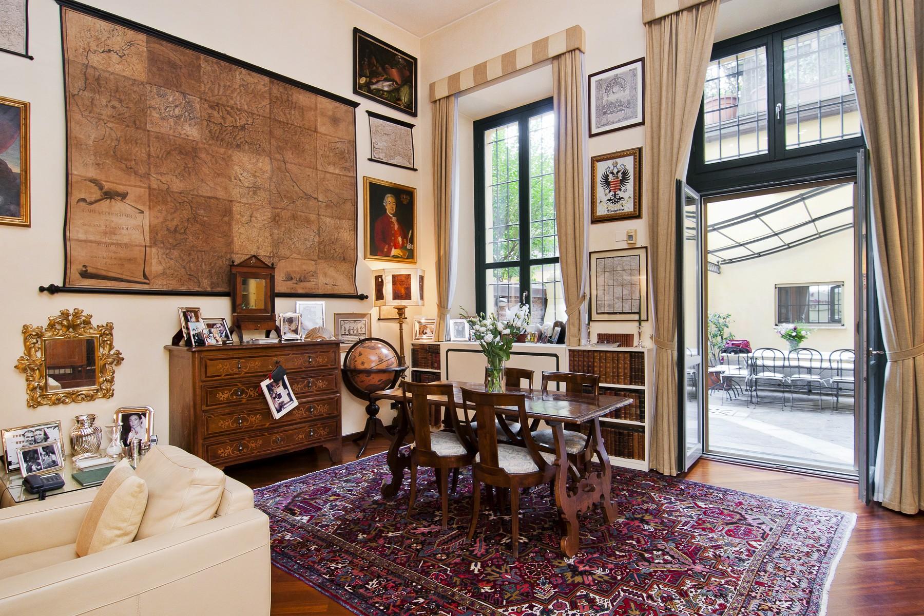 Appartamento di lusso in vendita a milano via morone for Case pregio milano