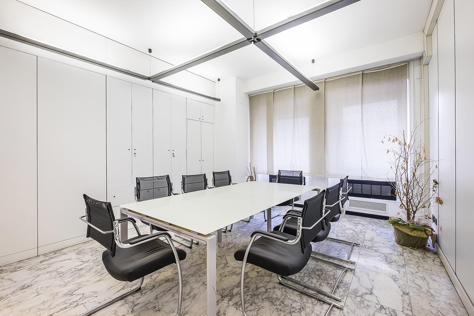 Ufficio studio di lusso in affitto a roma via parigi for Affitto ufficio ostia