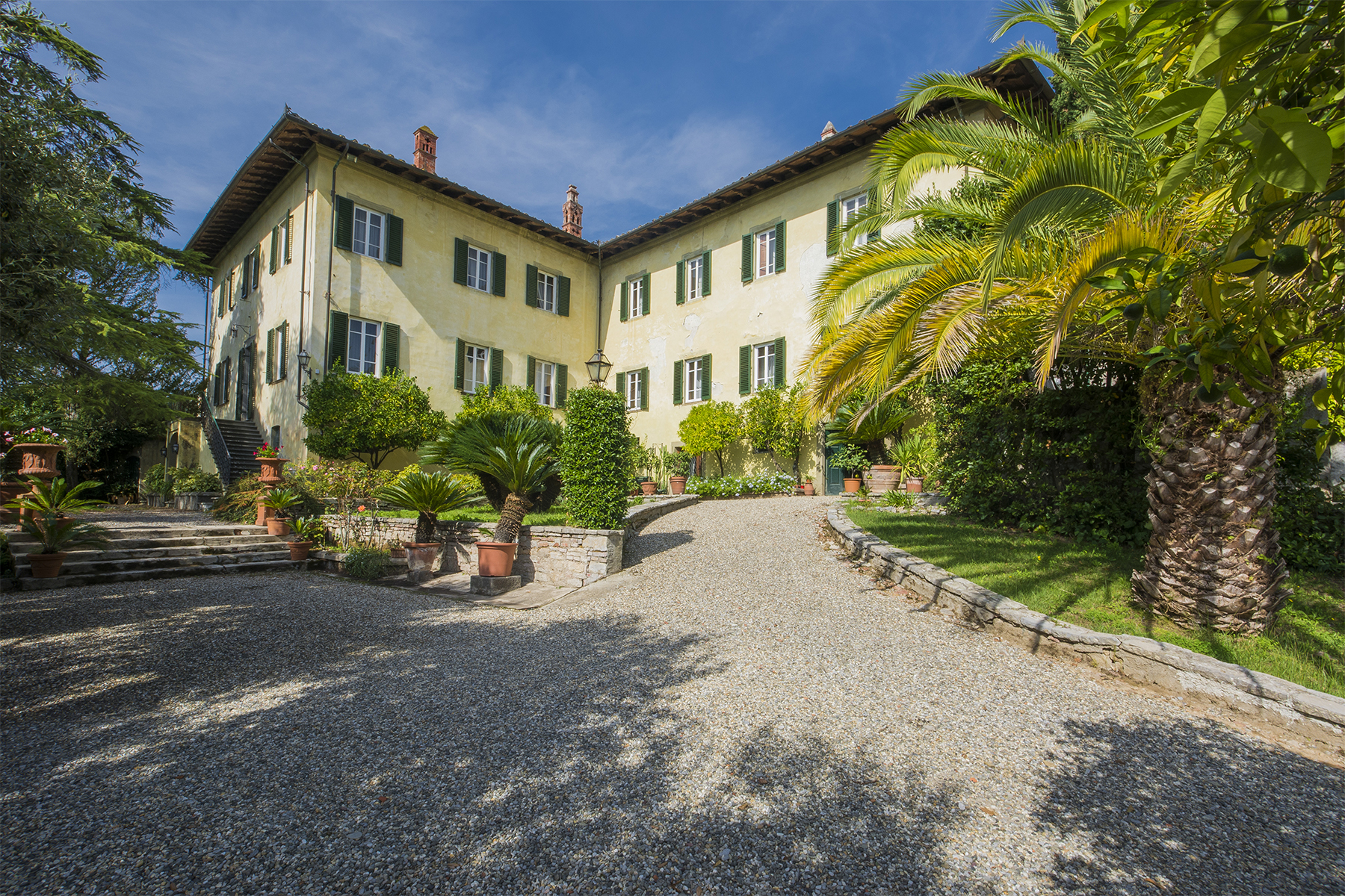 Villa in Vendita a Lucca: 5 locali, 1210 mq - Foto 1