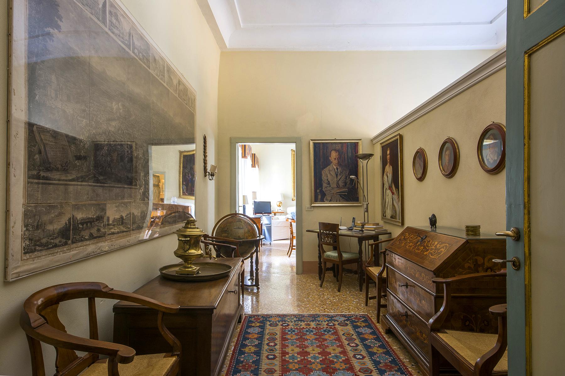 Appartamento in Vendita a Lucca via del castellaccio