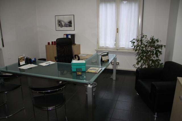 Ufficio studio di lusso in affitto a como piazza for Affitto studio eur