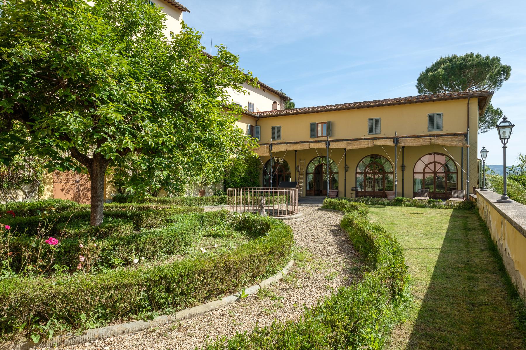 Casa indipendente in Vendita a Firenze Semicentro Ovest: 5 locali, 350 mq