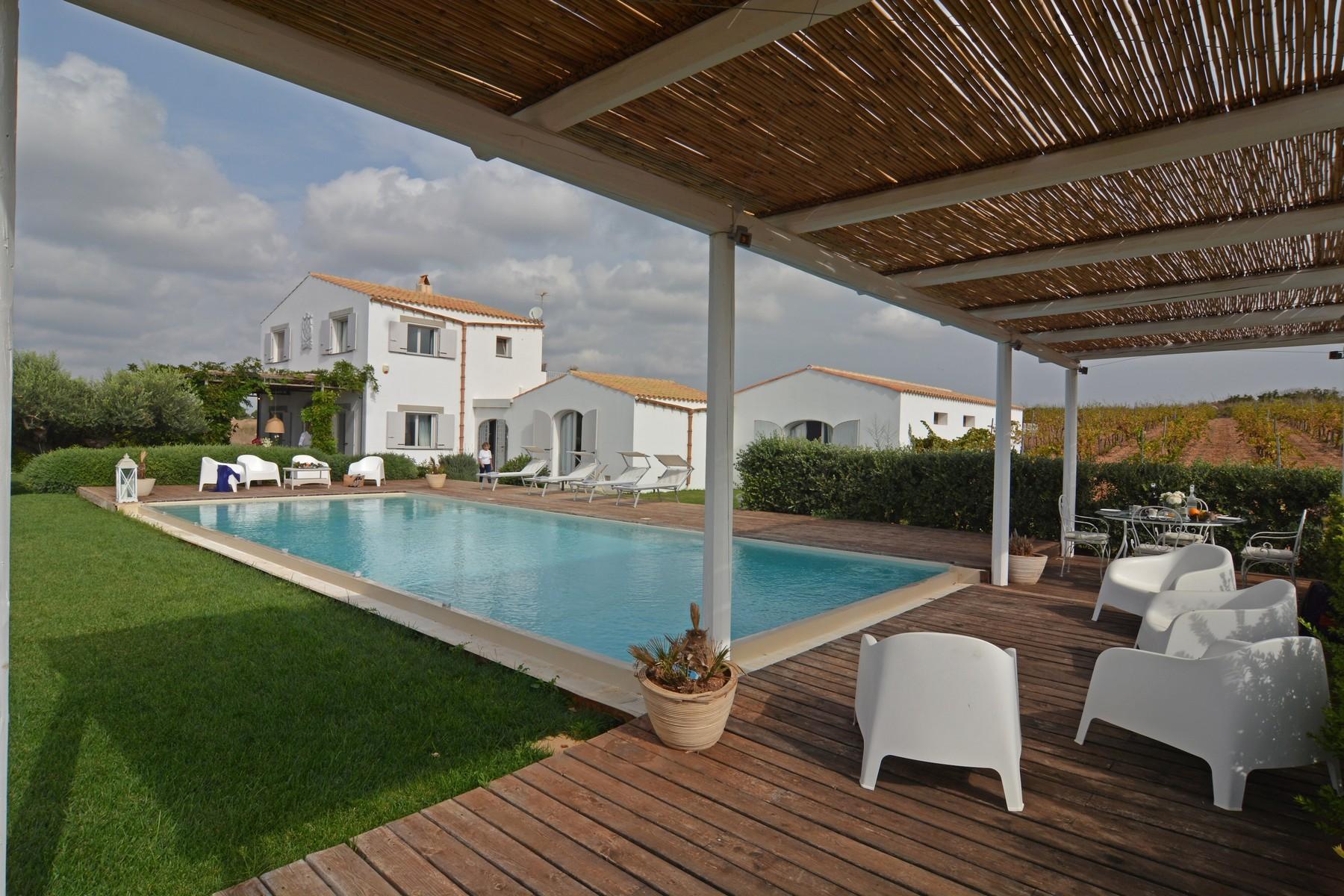 Villa in Vendita a Menfi: 5 locali, 100 mq