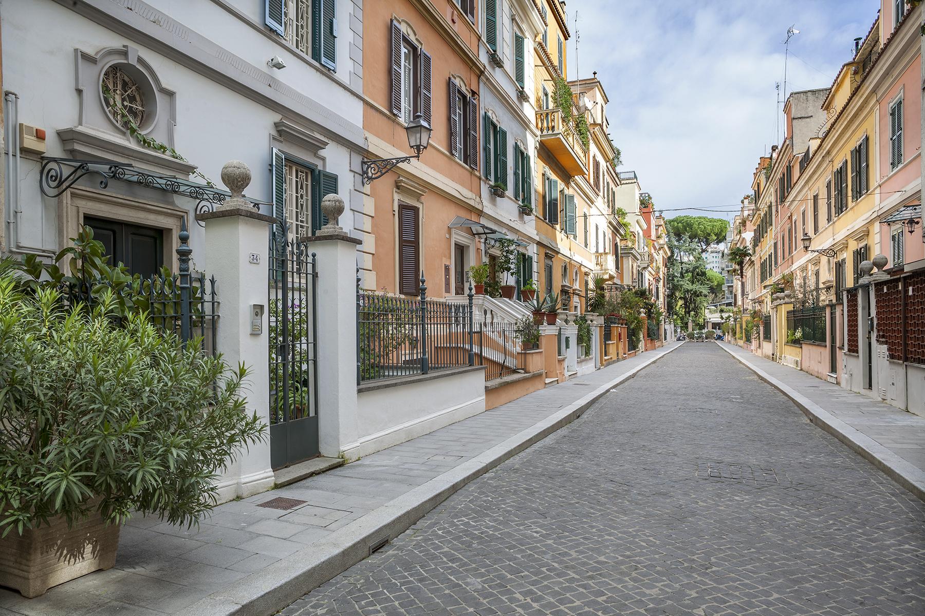 Casa indipendente in Vendita a Roma 02 Parioli / Pinciano / Flaminio: 5 locali, 250 mq