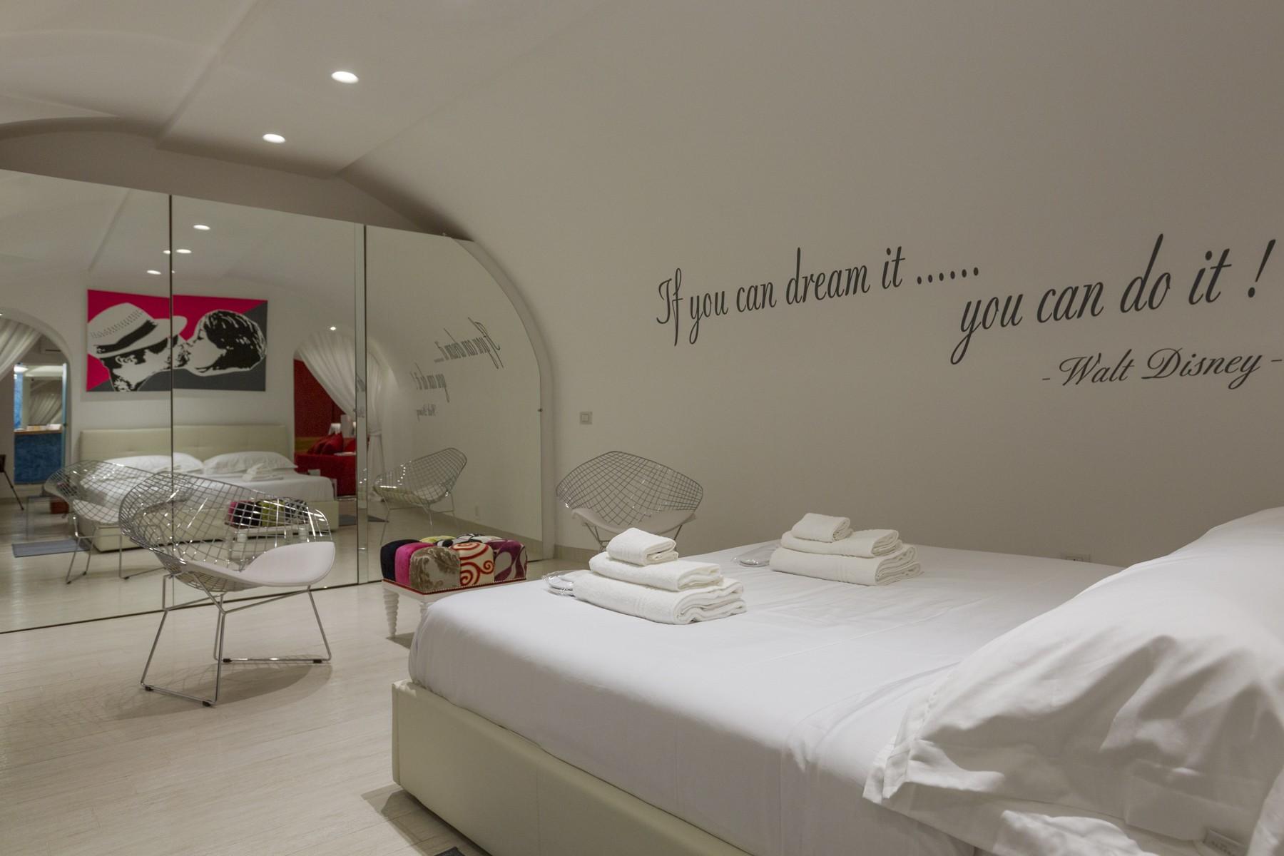 Casa indipendente di lusso in affitto a milano via cerva for Piani di casa di lusso 5 camere da letto