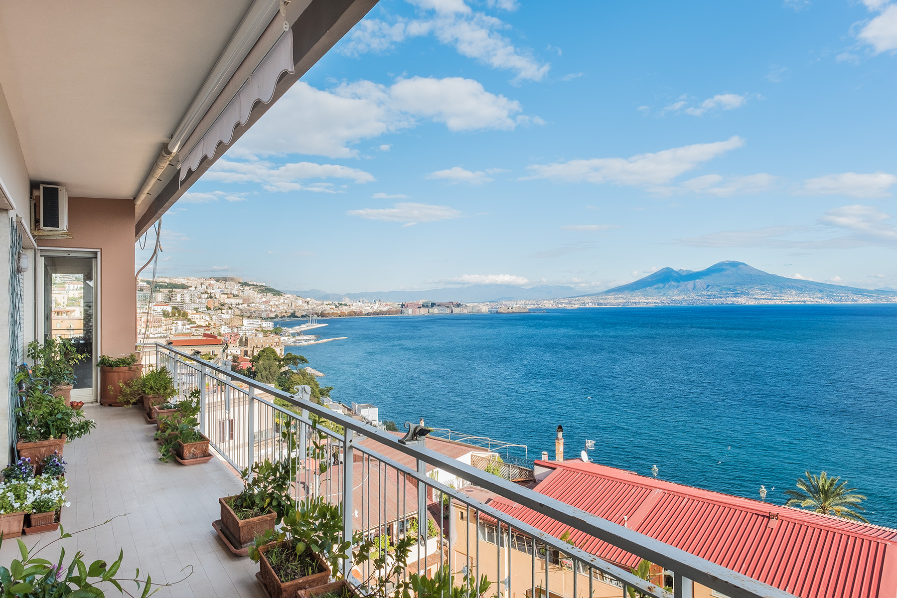 Appartamento in Vendita a Napoli: 5 locali, 230 mq - Foto 2