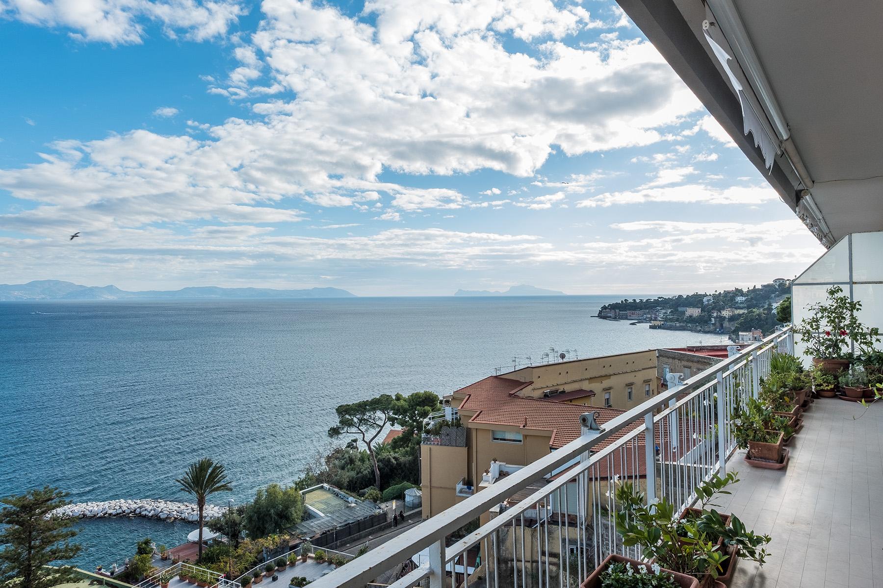 Appartamento in Vendita a Napoli: 5 locali, 230 mq - Foto 3