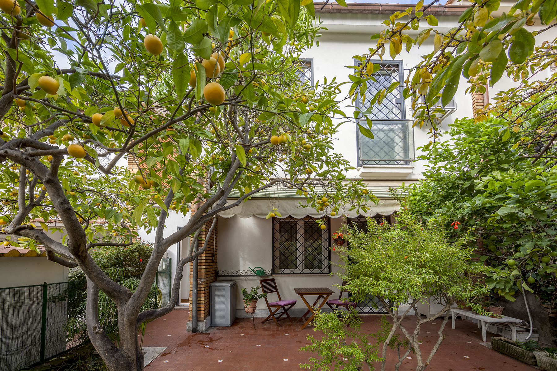 Casa indipendente di lusso in vendita a roma via annibale for Casa a roma vendita