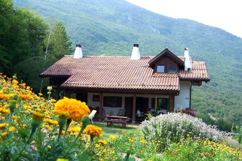 Albergo in vendita a Cavedago, 9999 locali, Trattative riservate | Cambio Casa.it