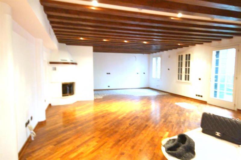 Villa in vendita a Venezia, 4 locali, zona Zona: 6 . Dorsoduro, prezzo € 1.250.000   Cambio Casa.it