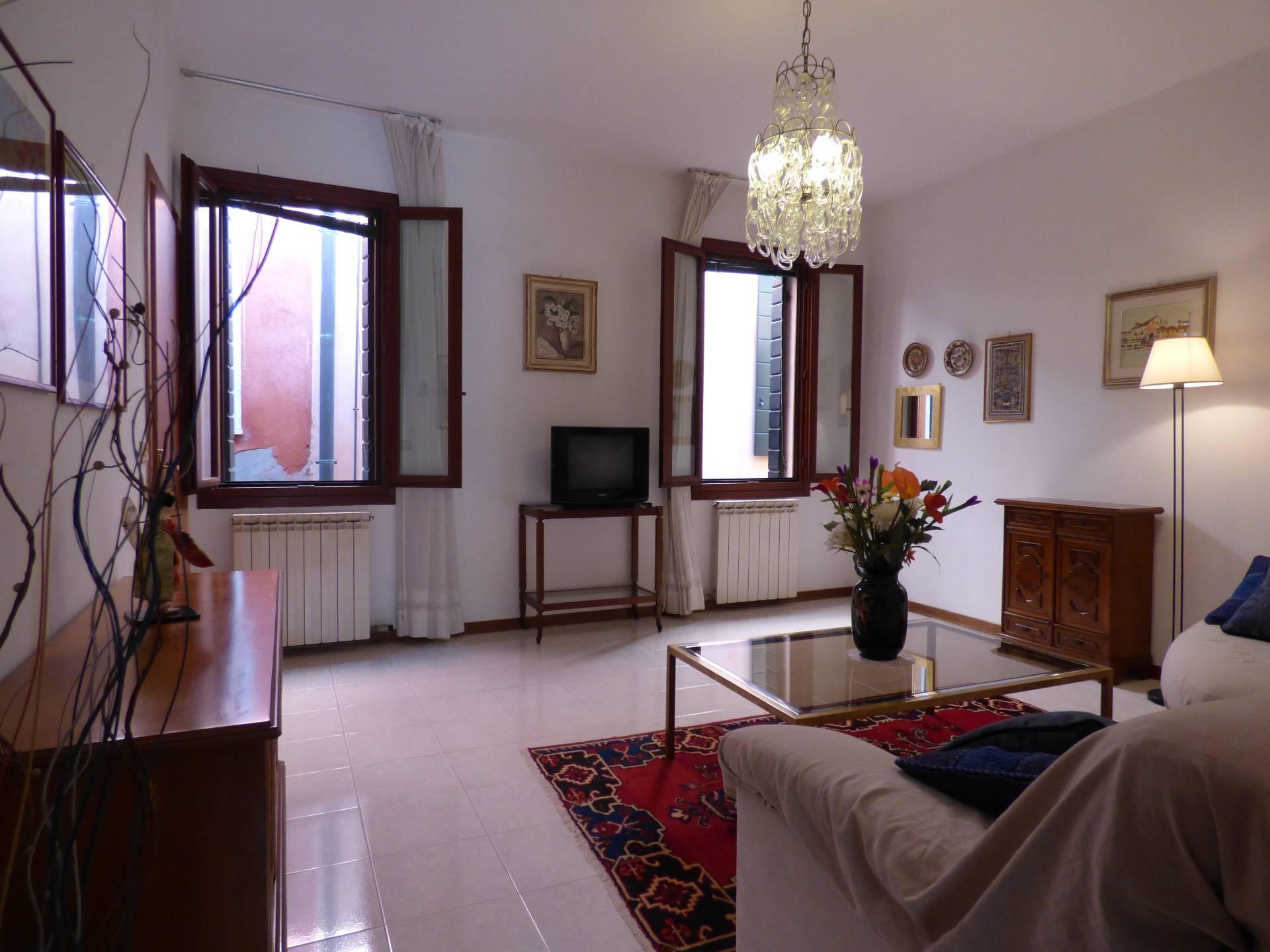 Appartamento in vendita a Venezia, 4 locali, zona Zona: 4 . Castello, prezzo € 345.000 | Cambio Casa.it
