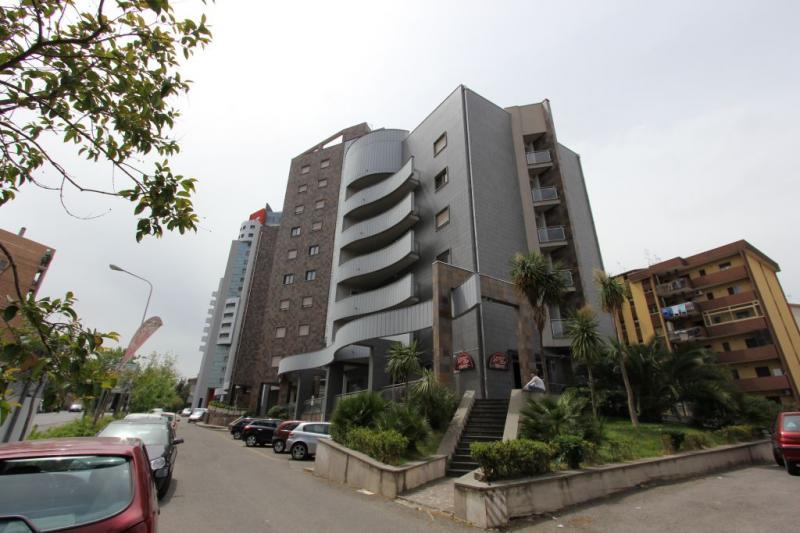 Appartamento affitto COSENZA (CS) - 5 LOCALI - 120 MQ