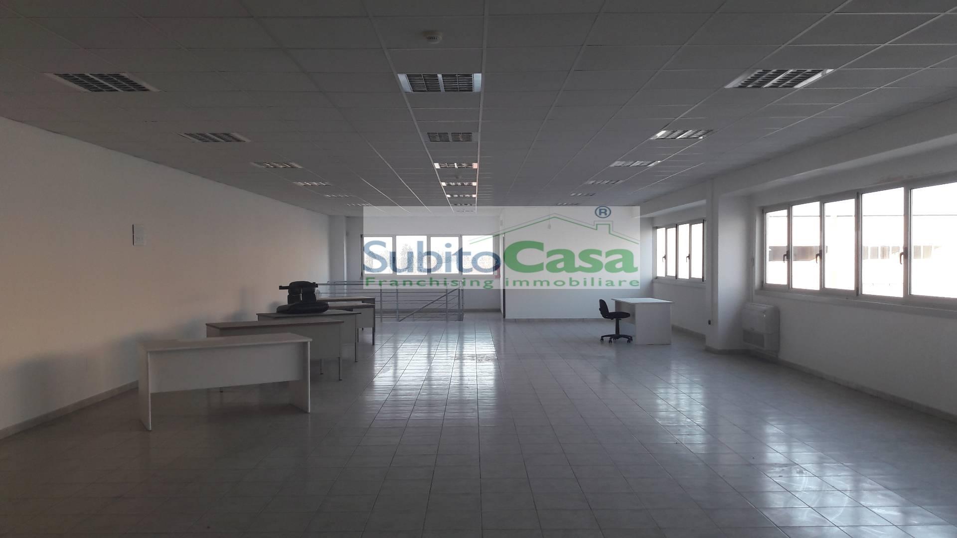 Ufficio / Studio in affitto a Chieti, 1 locali, zona Località: ChietiScaloZonaResidenziale, prezzo € 850 | CambioCasa.it