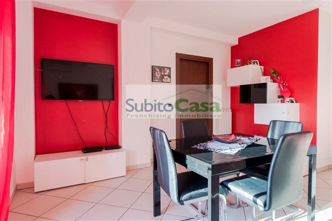 Appartamento in vendita a San Giovanni Teatino, 3 locali, zona Località: SambucetoCentro, prezzo € 100.000 | CambioCasa.it