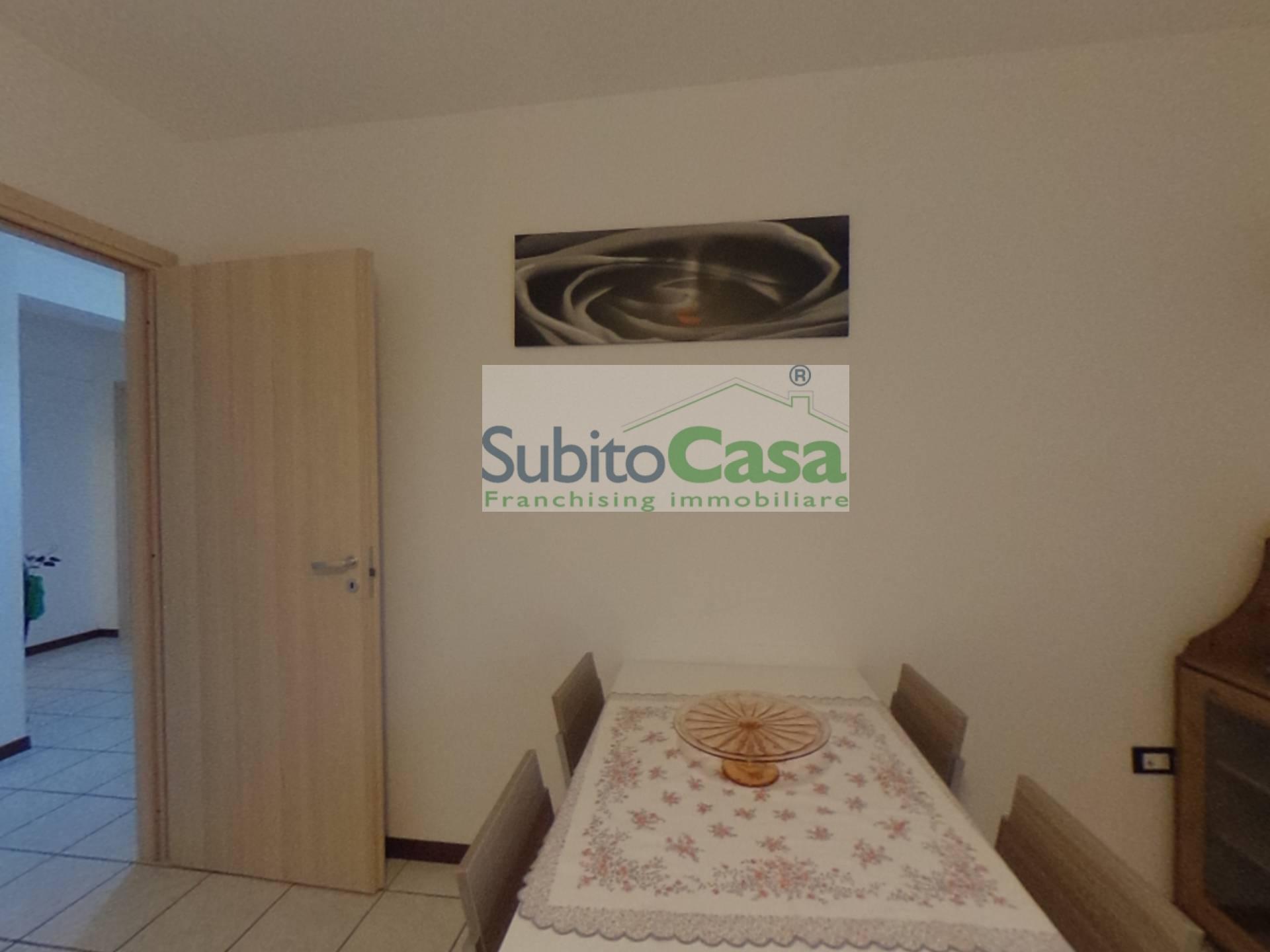 Appartamento in affitto a Cepagatti, 5 locali, zona Zona: Villanova, prezzo € 450 | CambioCasa.it