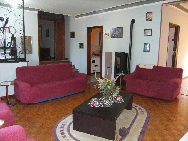 Soluzione Indipendente in vendita a Fiume Veneto, 7 locali, prezzo € 249.000   Cambio Casa.it