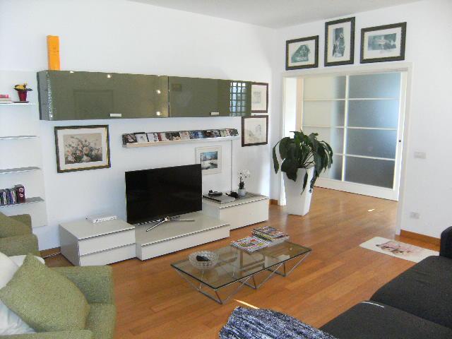 Villa in vendita a Pordenone, 11 locali, zona Località: Ospedale, prezzo € 385.000 | Cambio Casa.it