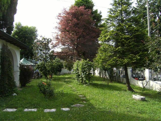 Villa in vendita a Pordenone, 14 locali, zona Zona: Semicentro, prezzo € 580.000 | Cambio Casa.it