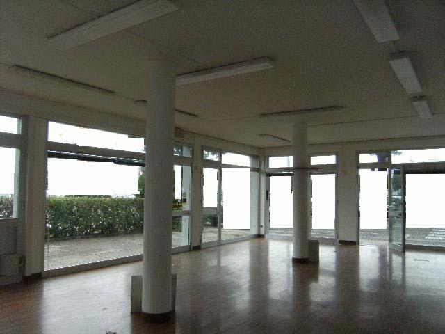 Negozio / Locale in affitto a Lignano Sabbiadoro, 9999 locali, prezzo € 1.400 | Cambio Casa.it