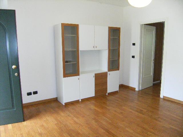 Appartamento in affitto a Porcia, 2 locali, prezzo € 400   Cambio Casa.it