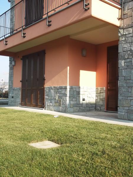 Villa in vendita a Lonate Ceppino, 5 locali, prezzo € 348.000 | CambioCasa.it
