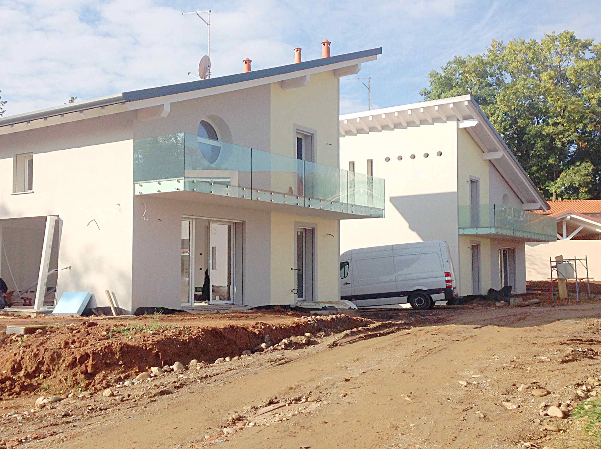 Villa in vendita a Tradate, 4 locali, prezzo € 450.000 | Cambio Casa.it