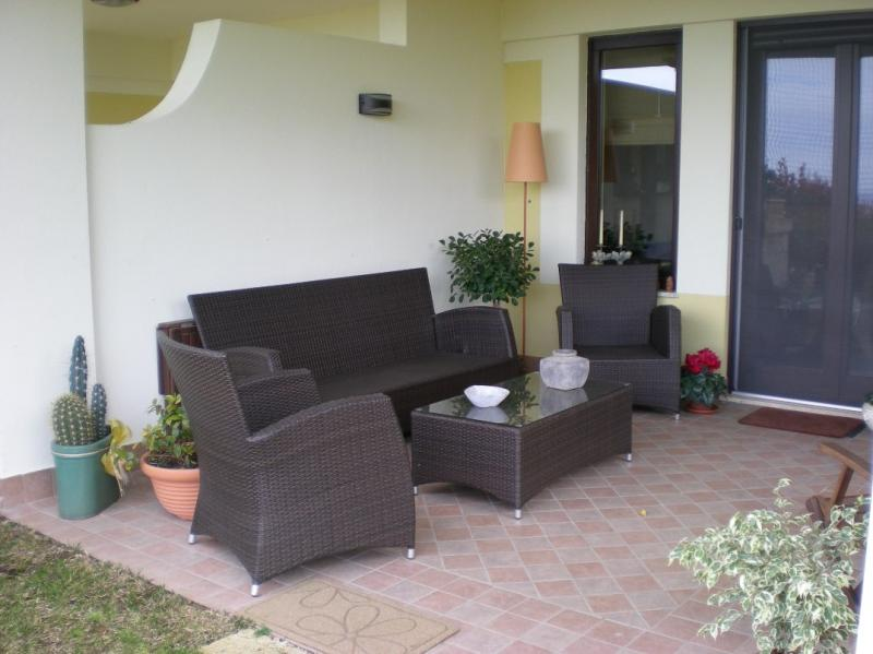 Villa in vendita a Montepaone, 4 locali, zona Località: MontepaoneLido, prezzo € 260.000 | CambioCasa.it