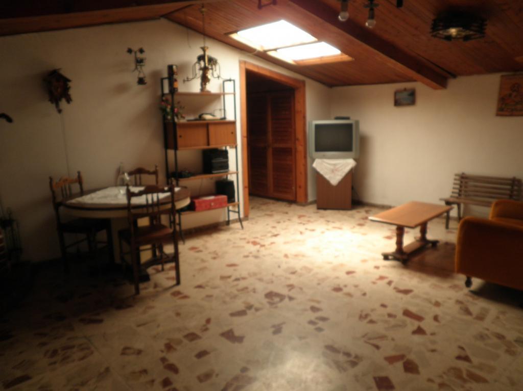 Appartamento in vendita a Catanzaro, 3 locali, zona Zona: Gagliano, prezzo € 40.000 | CambioCasa.it