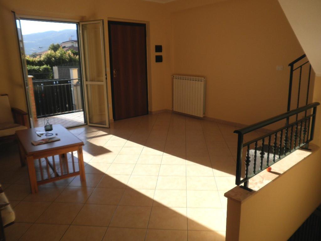 Villa in vendita a Montauro, 5 locali, zona Località: MontauroLido, prezzo € 215.000 | CambioCasa.it