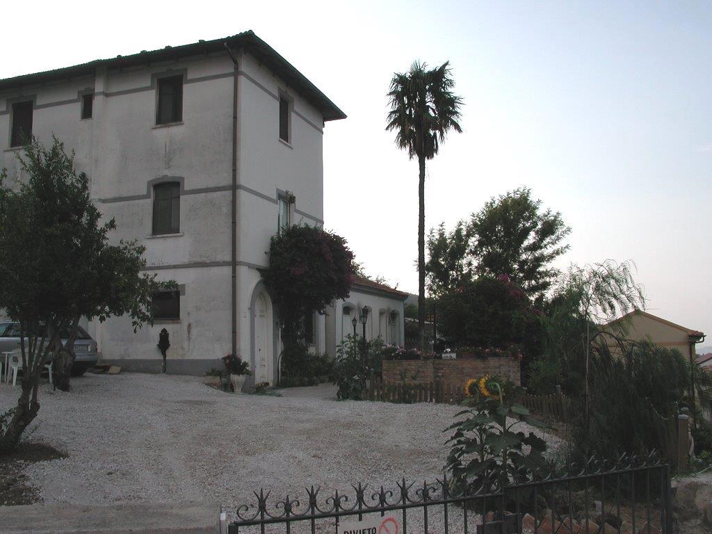 Villa in vendita a Marcellinara, 14 locali, prezzo € 185.000 | CambioCasa.it