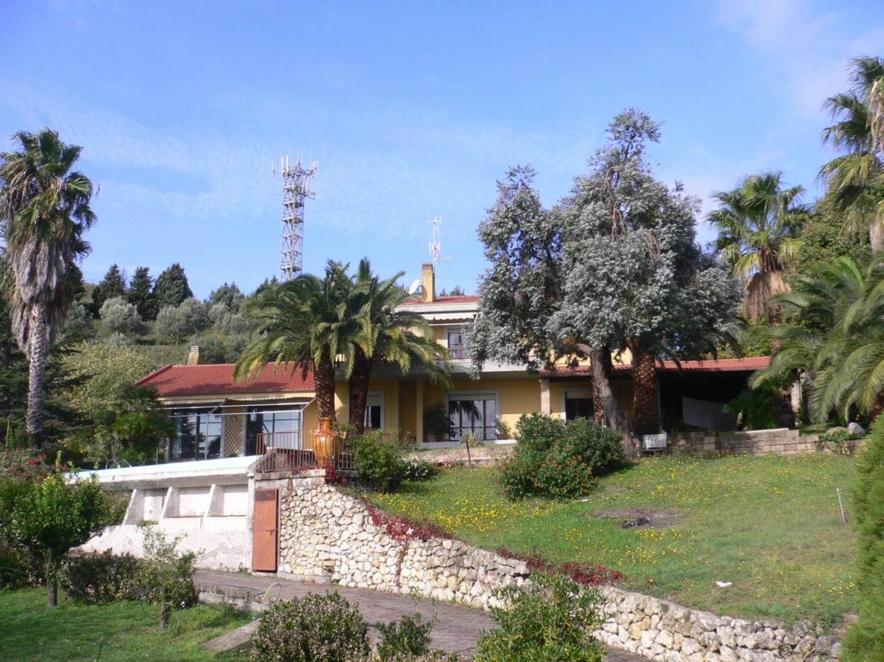 Villa in Vendita a Catanzaro