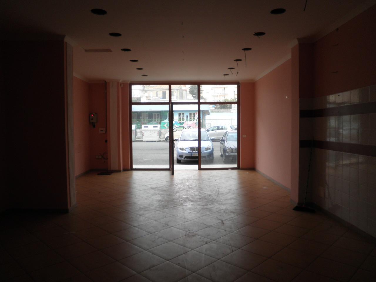 Negozio / Locale in Vendita a Catanzaro