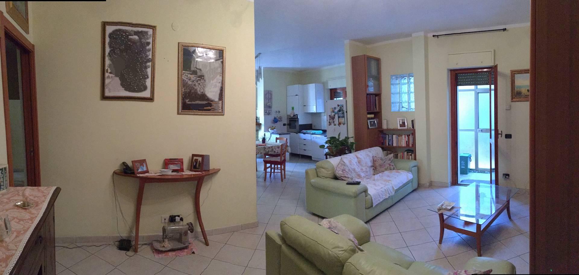 Appartamento in vendita a Catanzaro, 4 locali, zona Località: CatanzaroLido, prezzo € 235.000 | CambioCasa.it