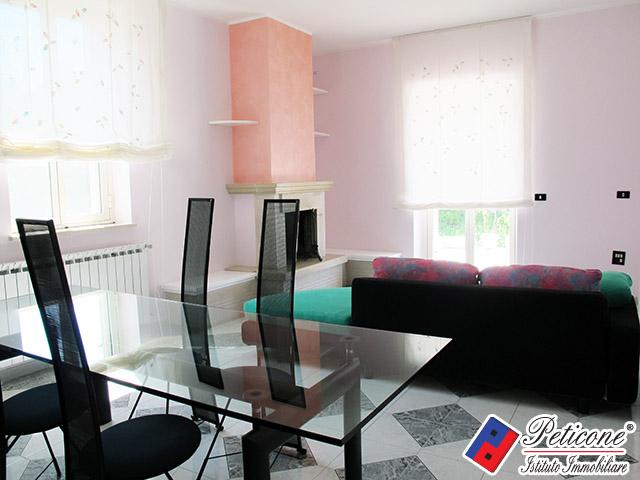 Appartamento in vendita a Lenola, 3 locali, zona Località: Semicentro, prezzo € 95.000 | Cambiocasa.it