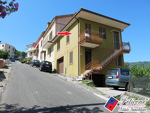 Appartamento in vendita a Lenola, 3 locali, zona Località: Centro, prezzo € 90.000 | Cambiocasa.it