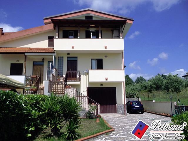 Villa in vendita a Castelforte in Via Giuseppe Garibaldi