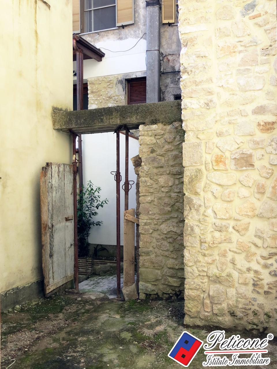 Bilocale Lenola Via Duomo 5