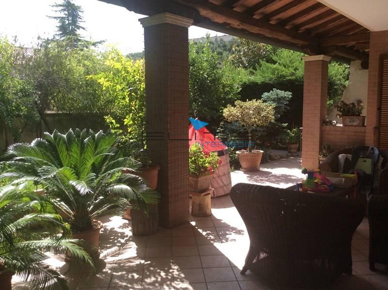 Villa in vendita a Francavilla al Mare, 6 locali, prezzo € 525.000 | Cambio Casa.it