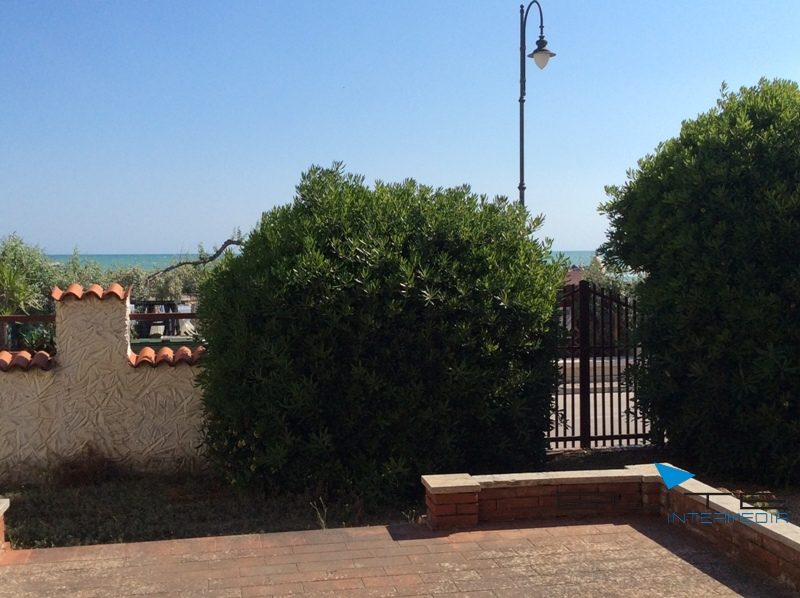 Villa in vendita a Francavilla al Mare, 9 locali, Trattative riservate | CambioCasa.it